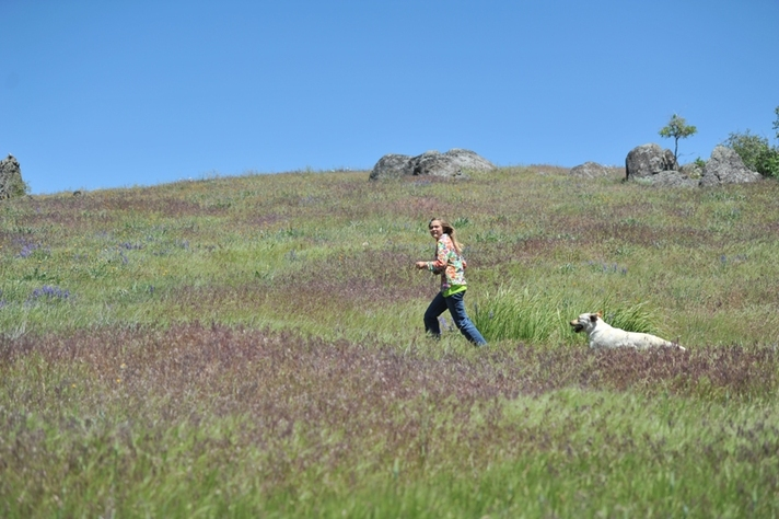 Tori and Elle running at BoulderCrest Ranch