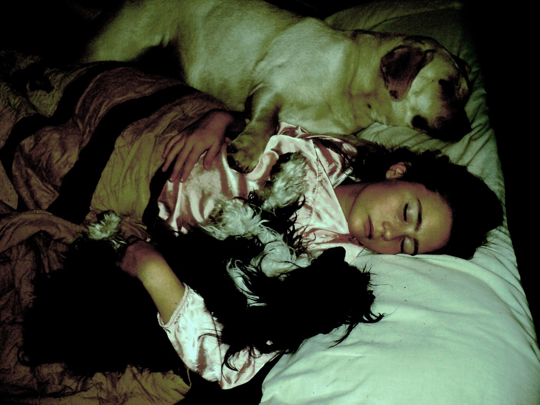 Tori sleeping with her BEST girls Clea and Elle at BoulderCrest Ranch